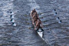 Det gröna Lakelaget races i huvudet av Charles Arkivfoton