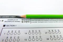 Det gröna utvalda valet för blyertspennateckning på svarsark, mornin Fotografering för Bildbyråer