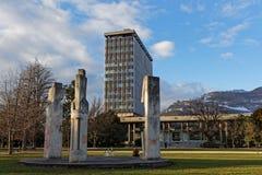 Det Grenoble stadshuset och mistral parkerar Arkivbilder