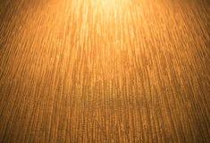 Det guld- ljus skiner in i rumväggen Royaltyfria Foton