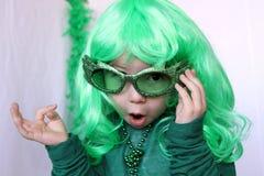 Det gulliga barnet på Sanktt-Patricks dag Royaltyfri Foto