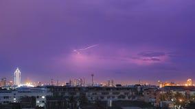 Det häller med regn, Bangkok Arkivfoto