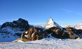 Det härliga berget i Schweiz royaltyfria bilder