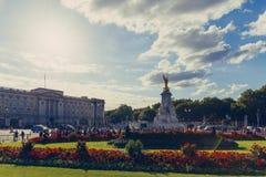 Det härliga läget av Buckingham Palace Royaltyfri Fotografi