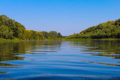 Det härliga landskapet är inte floden arkivfoto