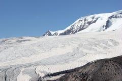 Det härliga landskapet av de Kaukasus bergen Fotografering för Bildbyråer