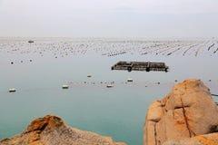 Det härliga landskapet av stranden i den shantou nanao ön, guangdong, porslin royaltyfri fotografi