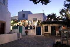 Uteliv i Folegandros, Grekland Royaltyfri Fotografi