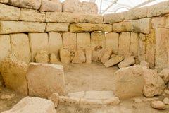 Det Hagar Qim tempelkomplexet grundar på ön av Malta Arkivbild