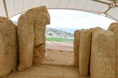 Det Hagar Qim tempelkomplexet grundar på ön av Malta Arkivfoton