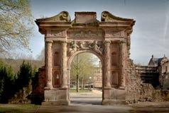 Det Heidelberg slottet är ett berömdt fördärvar i Tyskland och landmark av Heidelberg arkivfoton