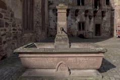 Det Heidelberg slottet är ett berömdt fördärvar i Tyskland och landmark av Heidelberg royaltyfria foton