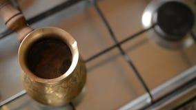 Det hem- kaffet i ugn stock video