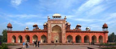 _ Det historiska och arkitektoniska komplexet av Sikandra gravvalvet av den Mughul kejsaren Akbar Royaltyfria Foton