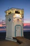 Det iconic livvakttornet på den huvudsakliga stranden av Laguna Beach, Kalifornien Royaltyfri Fotografi
