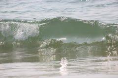 Det indiska havet, f?rgst?nket av v?gen arkivbild