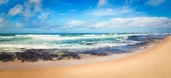 Det indiska havlandskapet Härlig sikt av ett hav panorama Arkivfoto