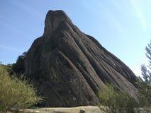 Det intressanta höga berget vaggar fotografering för bildbyråer