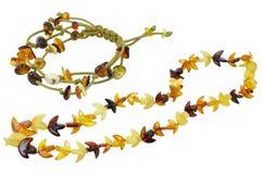 det isolerade gula armbandet gjorde halsbandet Royaltyfri Foto