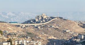 Det israeliska säkerhetsstaketet som avskiljer Israel från Västbanken av Jordanien - Judea och Samaria royaltyfria foton