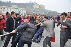 Det kinesiska folket är dragkampen Royaltyfri Fotografi