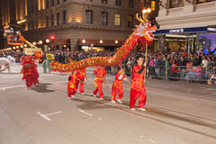 Det kinesiska nya året ståtar i kineskvarter Arkivbilder