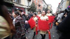Det kinesiska nya året ståtar i Milan 2014 lager videofilmer