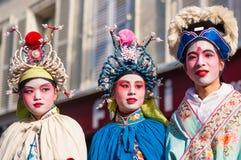 Det kinesiska nya året ståtar Paris Arkivbild