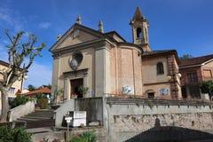 Det kollektiva Vinothek vinhuset i Barbaresco i området av Langhe piedmont italy royaltyfri fotografi