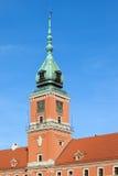 Det kungliga slottet står hög i Warsaw Arkivbilder