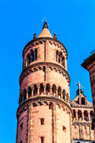 Det kyrkliga tornet av Kaiserdomen av St Peter avmaskar in, byggt 1130-1181, Tyskland Arkivbilder