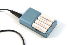 Det laddar batteriprocessoruppladdaren Royaltyfri Bild
