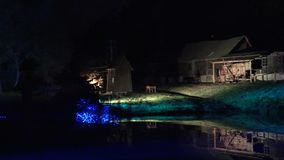 Det lantliga hem- museet exponerade bl?tt laser-ljus p? nattshowen 4K arkivfilmer