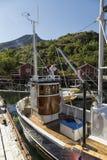 Det lilla fiskfartyget Arkivbild