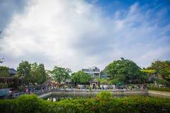 Det Lingnan intrycket parkerar invånare royaltyfria foton