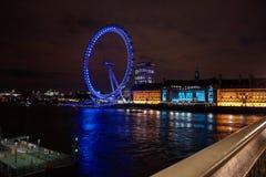 Det London ögat på natten Fotografering för Bildbyråer