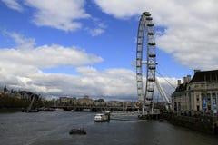 Det London ögat UK, December 14 2016: Det London ögat på Thameset River i huvudstaden av London Arkivbilder