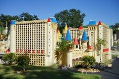 Det Luxor hotellet på Las Vegas gjorde med Lego kvarter på Legoland Florida Arkivbild