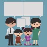 Det lyckliga familjtecknad filmteckenet med talar bubblor, eller anförande bubblar Arkivbilder