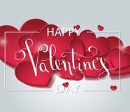 Det lyckliga kortet för hälsningen för valentindagförälskelse med vit låg poly stilhjärtaform i guld- blänker bakgrund stock illustrationer