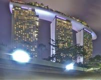 Det Marina Bay Sands Hotel slutet upp skott Detta tas från trädgårdar av fjärden arkivfoto