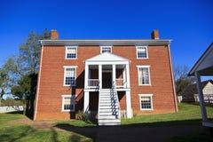Det McLean huset tillbaka beskådar Arkivbild