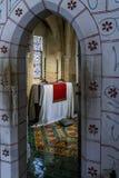 Det medeltida slottrummet av tornet av London Royaltyfri Bild