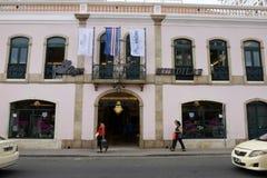 Det moderna hushållet shoppar - Kap Verdehuvudstad, Santiago Island, platån, Praiastad arkivbild