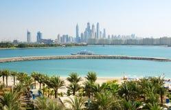 Det moderna lyxiga hotellet på Palm Jumeirah den konstgjorda ön Arkivbild