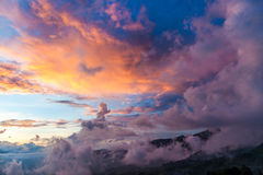 Det molnigt i yty - nordligt av Viet Nam Royaltyfri Fotografi