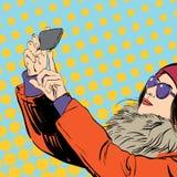 Det nätta anseendet för ung kvinna och gör selfie på bakgrund Plan tecknad filmvektorillustration Arkivbilder
