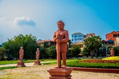 Det nationella museet av Cambodja (Sala Rachana) och skulptur Phnom Penh Arkivfoton