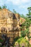 Det naturliga fenomenet av den eroderade klippan, jordpelare, vaggar skulpterat av vatten, vind för miljon år Royaltyfri Foto