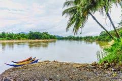 Det naturliga landskapet av den Takua PA-floden Arkivbilder